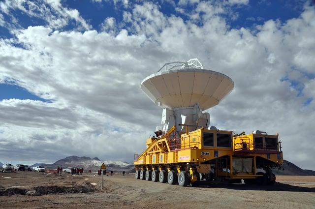 First Antenna Trucked Into the Chilean Andes For World's Largest Observatory