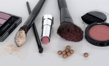 The chemicals in your cosmetics aren't regulated
