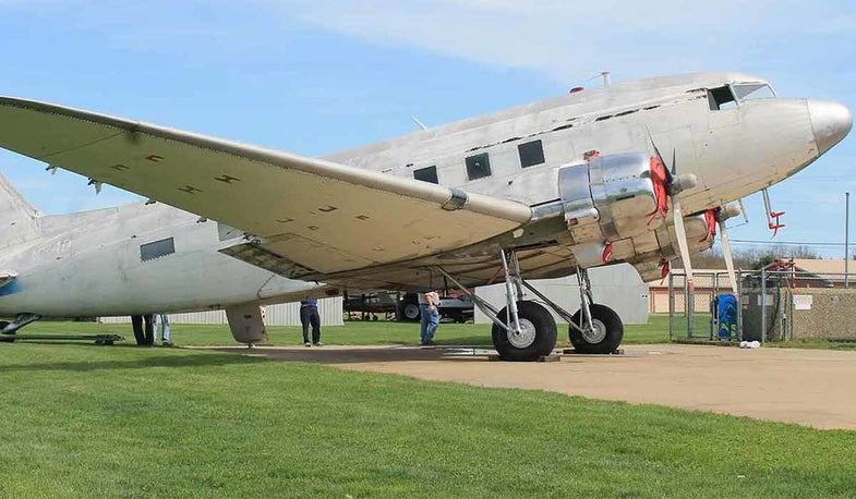 In photos: restoring a military plane from the 1950s