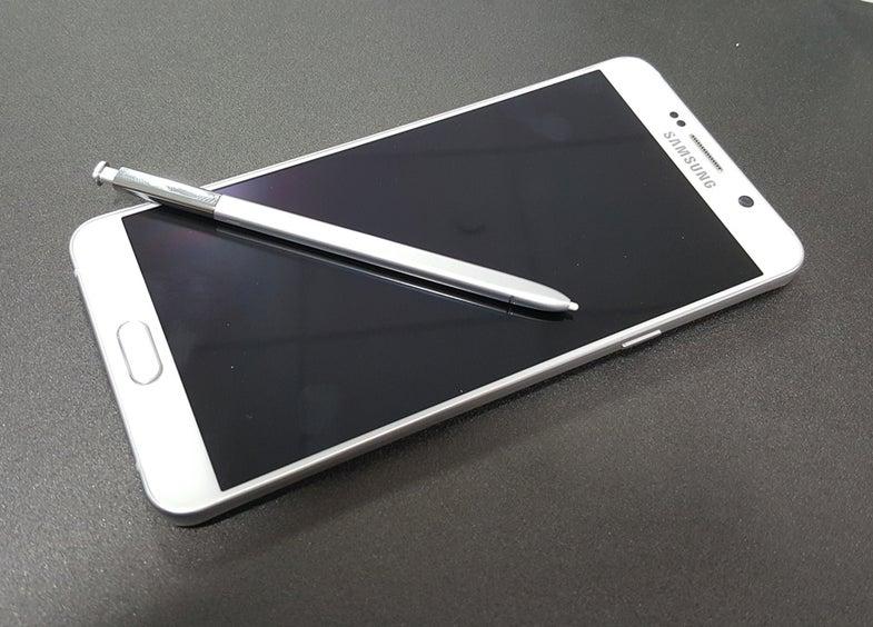 Samsung Galaxy Note 5 Design Flaw Found In Stylus Holder