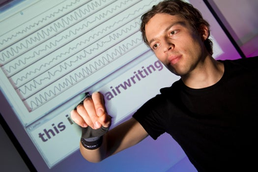 This Wristband Recognizes When You Write In The Air With Your Finger