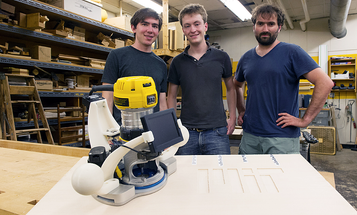 MIT's Smart  Handheld Woodworking Tool Makes Precise Cuts Automatically