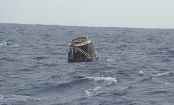 SpaceX Dragon Spacecraft Splashes Down Into the Pacific