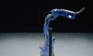 One-Armed Robot Beats Samurai In Sword Competition