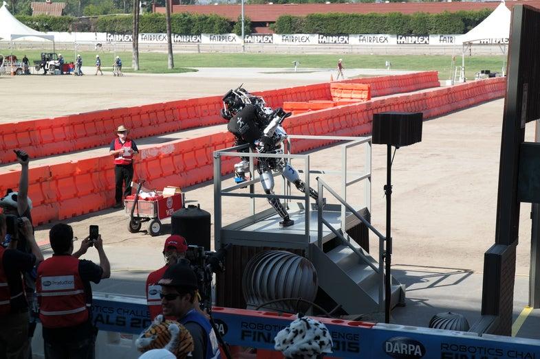 Team IHMC's Running Man humanoid robot falls at the DRC