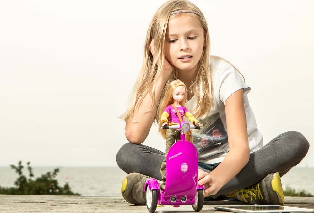SmartGurlz Siggy Scooter with Doll