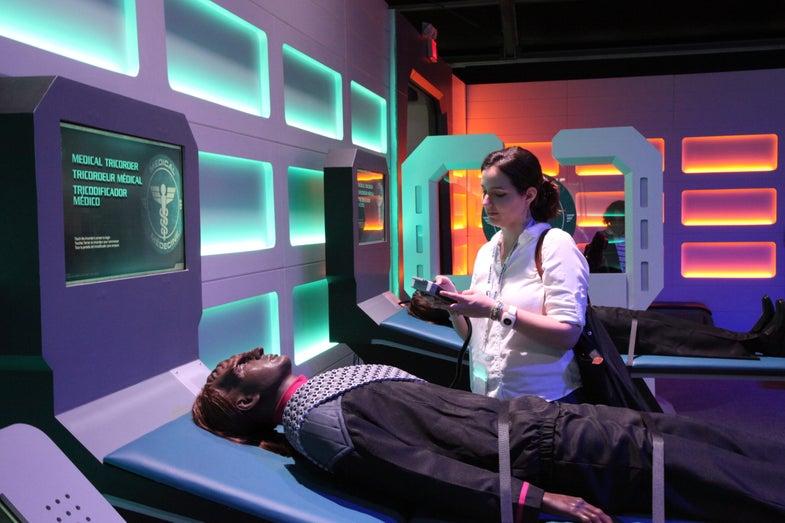 Popular Science Goes To Starfleet Academy