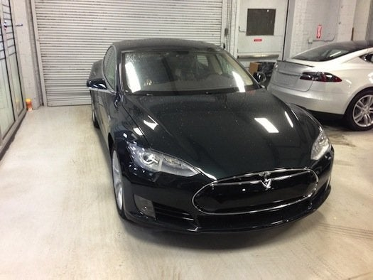 httpswww.popsci.comsitespopsci.comfilesimport2013importPopSciArticles2013-tesla-model-s-in-queens-ny-service-center-awaiting-delivery-to-buyer-david-noland-feb-2013_100417863_l.jpg