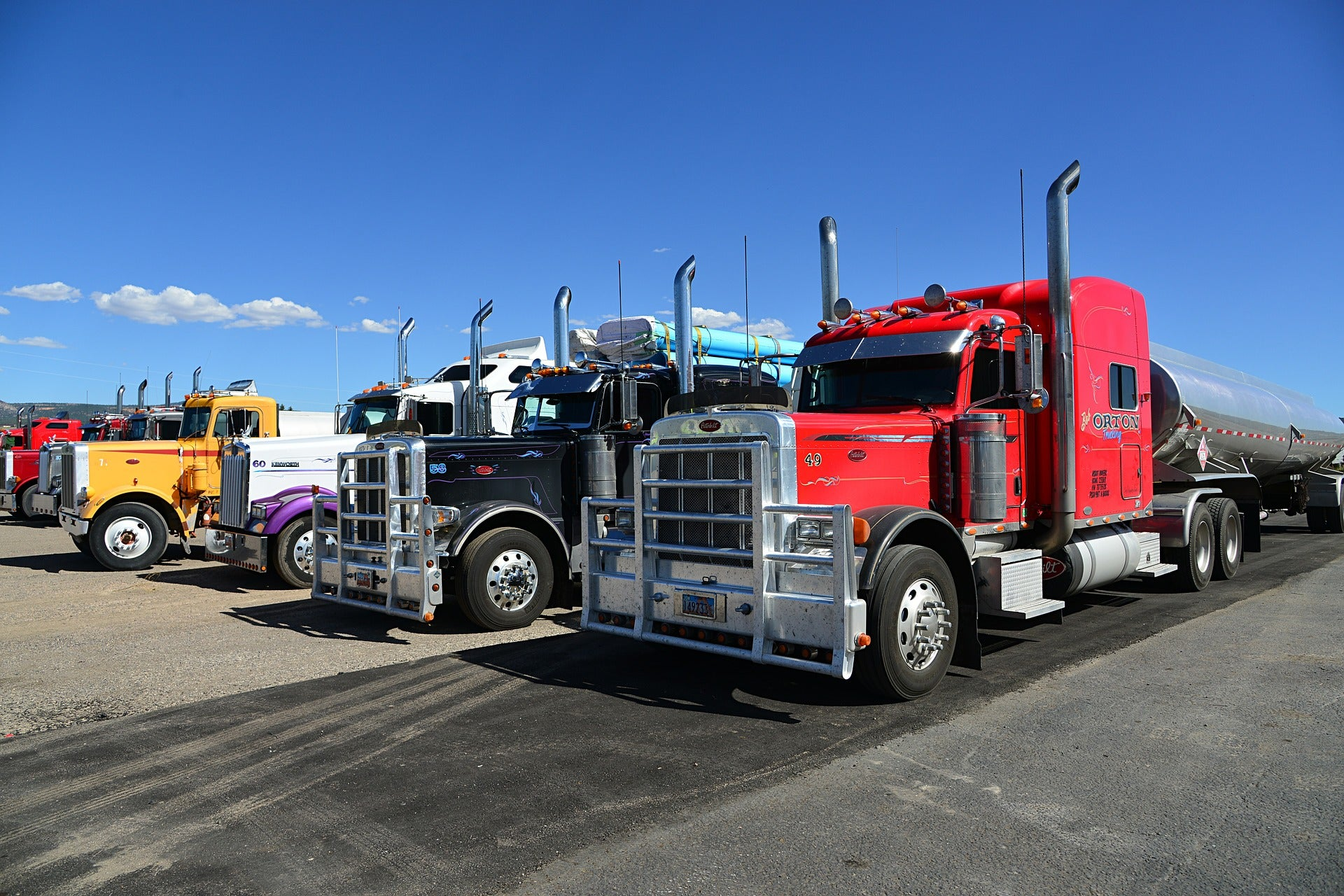 'Glider trucks' are pollution machines, but they might roll past EPA regulations