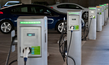 Chinese Businessman Builds Nation's First City-To-City Electric Car Charging Route