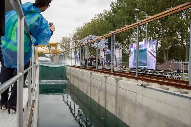 Watch This Machine Create The Largest Human-Made Waves In The World