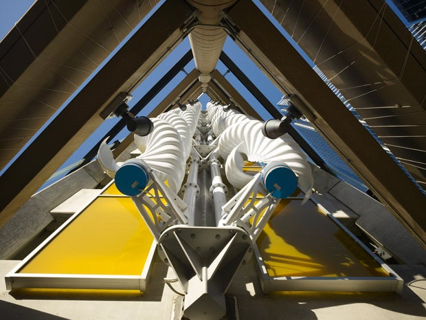 Chicago Garage Fires Up Helical Wind Turbines for Attractive, Earth-Friendly Parking