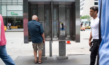 Hundreds Of Bluetooth Beacons Secretly Track New York City Passersby