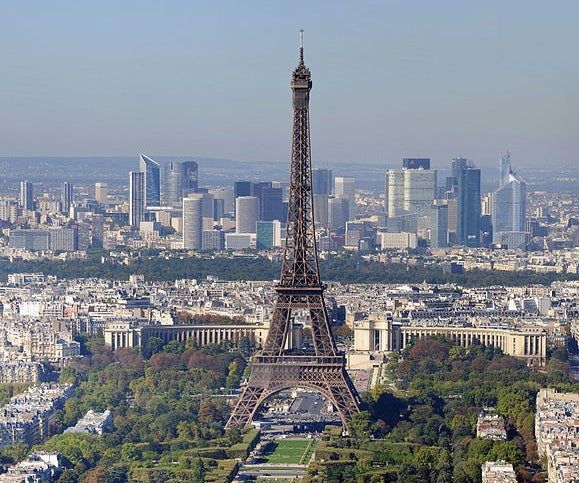 """Elaborate Software Model Addresses Burning Question: """"How Is the Eiffel Tower Still Standing?"""""""
