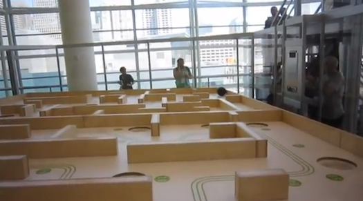 Video: Motorola-Xoom-Controlled Giant Labyrinth Uses a Bowling Ball Instead of a Marble