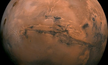 Meteoric smoke could be key to putting clouds on Mars