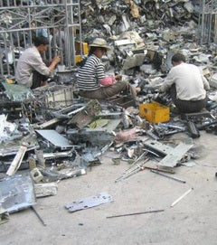 httpswww.popsci.comsitespopsci.comfilesimport2013importPopSciArticlesewaste_recycling_china_4.jpg