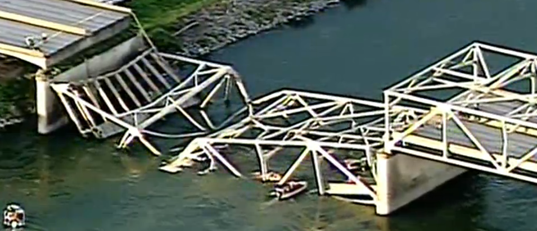 Bridge Collapse in Washington State Sends Two Cars Plunging Into The Skagit River
