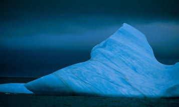 Hundreds of icebergs are suddenly invading shipping lanes