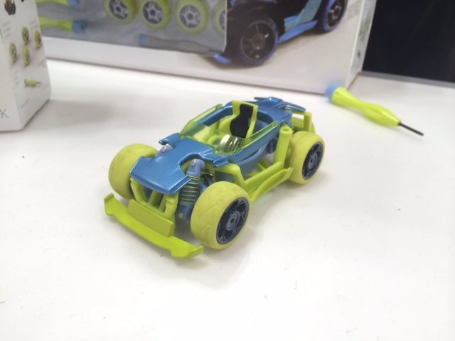 Modarri Toy Racers Have Real Steering and Suspension [Video]