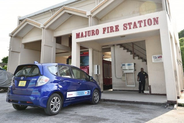Honda Tests Solar-Powered Electric-Car Charging In Remote Marshall Islands
