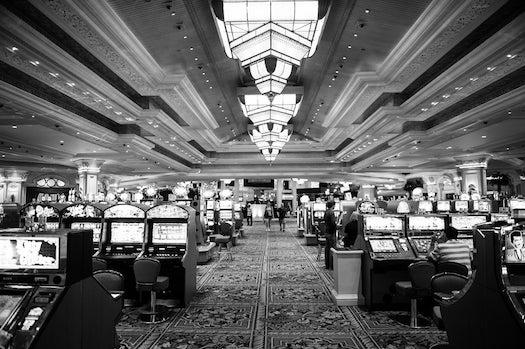 How Slot Machine Sounds Trick Your Brain