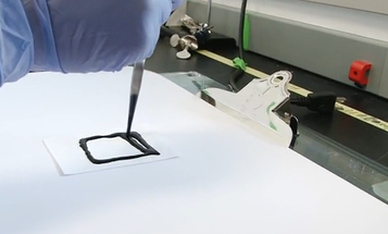 Making Powerful, Lightweight Batteries From Nothing But Nanotube Ink and Paper