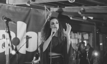Singer Simonne Jones Fuses Pop Music and Quantum Physics