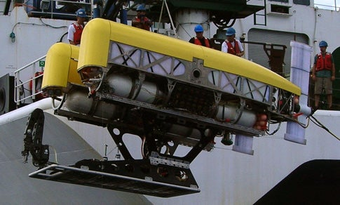 Unmanned Sub Dives the Marianas Trench on a Hair-Thin Tether