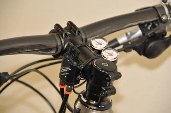 Self-Inflating Tubes Let You Control Your Bike's Tire Pressure While Riding