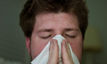 Why We Always Get Sick While Traveling – And How To Prevent It