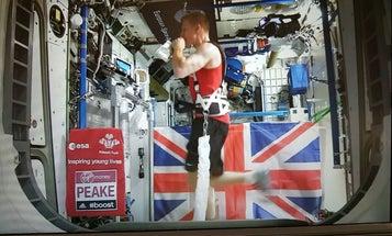 Astronaut Tim Peake Completes London Marathon From Space