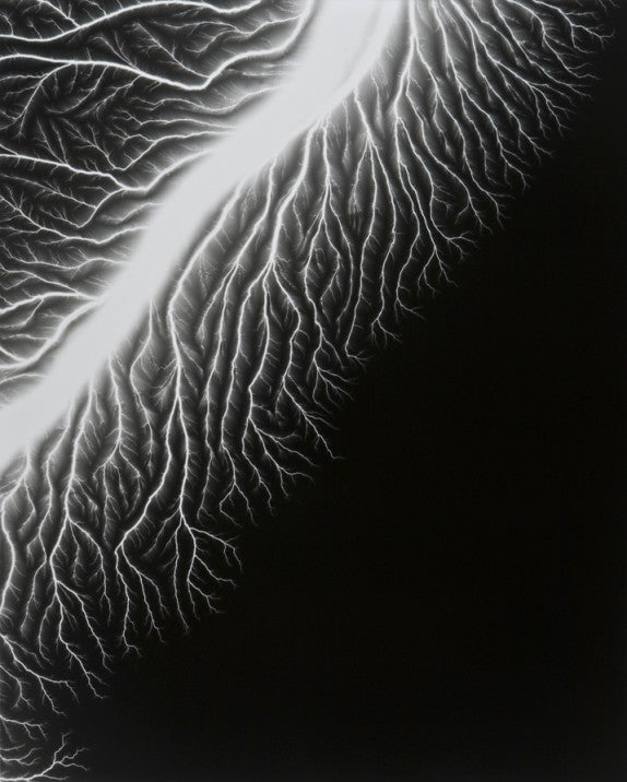 """Man Ray Meets Mr. Wizard in Sugimoto's """"Lightning Fields"""" Photos"""