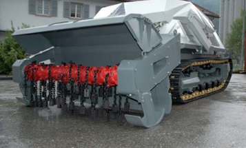 Video: Minesweeping Tank-Bot Shreds Land Mines, Rolling Through Explosions With Ease