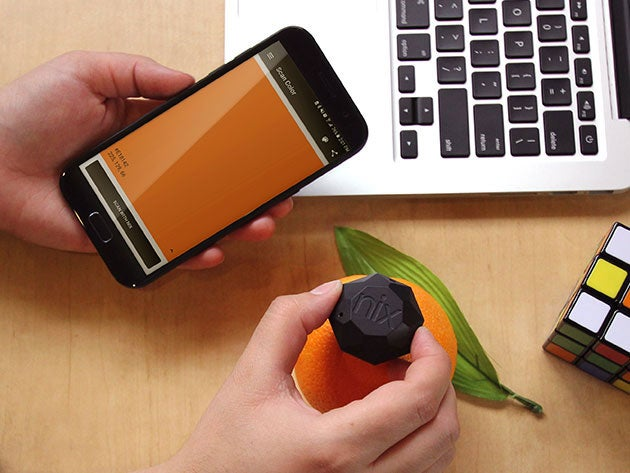 This pocket sensor lets you capture colors from the world around you