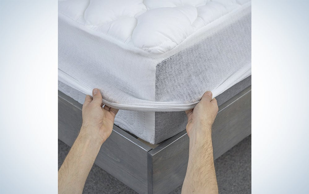 eLuxurySupply cooling mattress pad