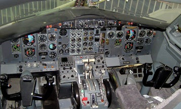 Video: A DIY Flight Simulator Built in the Nose of a Real Boeing 737