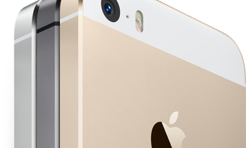 Exclusive Infographic: Should You Buy A New iPhone?