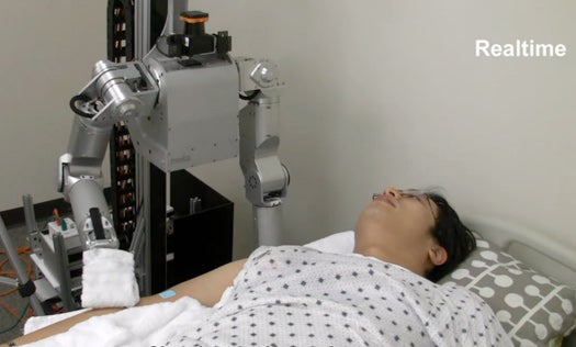 Video: Nurse Robot Gives Human A Sponge Bath, With Just the Right Amount of Force