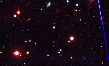 Ancient, Massive Galaxy Cluster Harbors 800 Trillion Suns