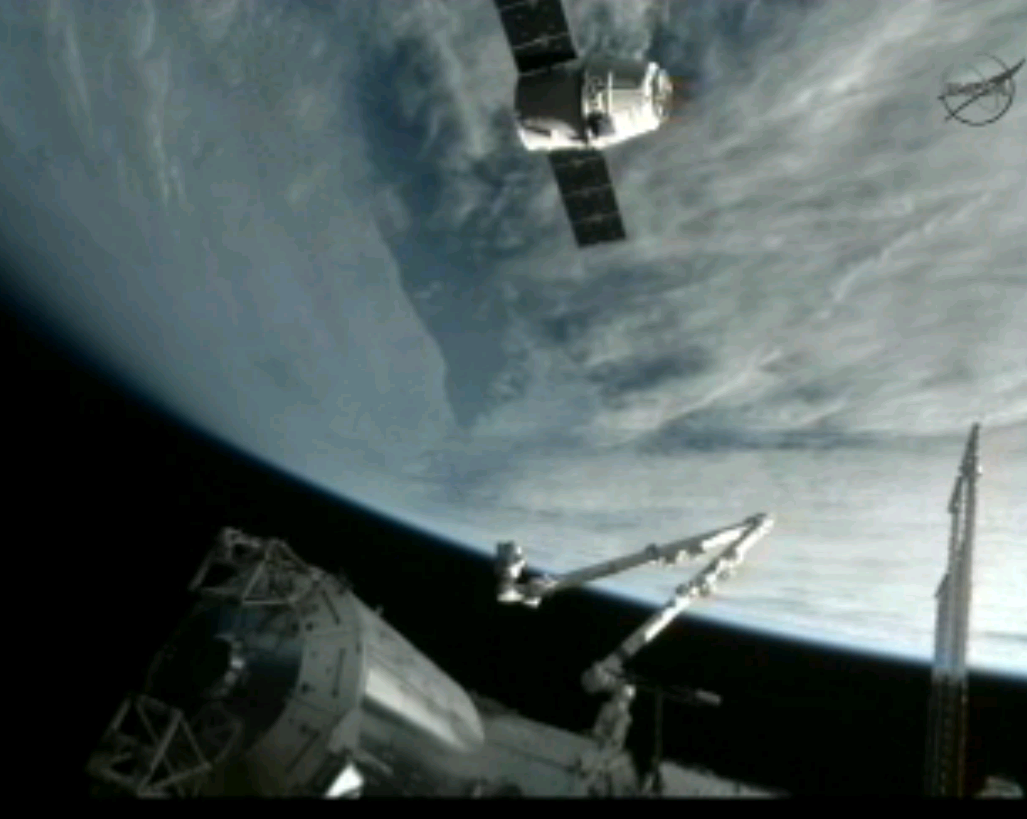 SpaceX Dragon Successfully Captured by International Space Station