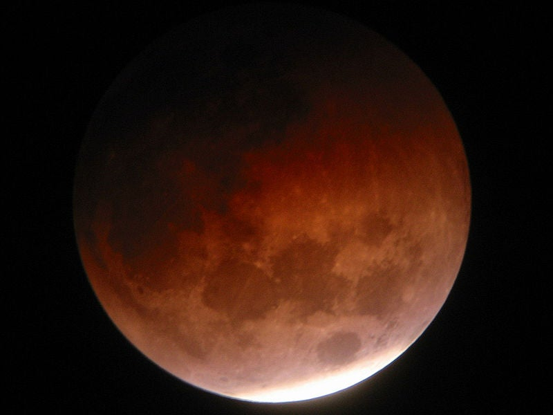 Total Lunar Eclipse Visible From North America Tonight