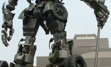 Four-Ton Transformer Tribute to Ancient Chinese General Meshes History and Sci-Fi