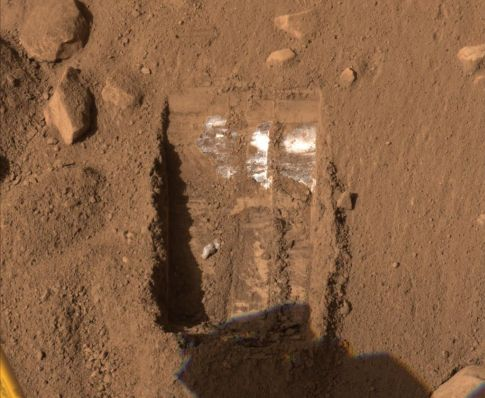 It's Snowing on Mars