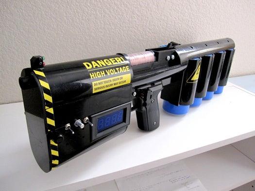 Video: DIY Coilgun Turns Voltage into Kilojoule Projectile Power