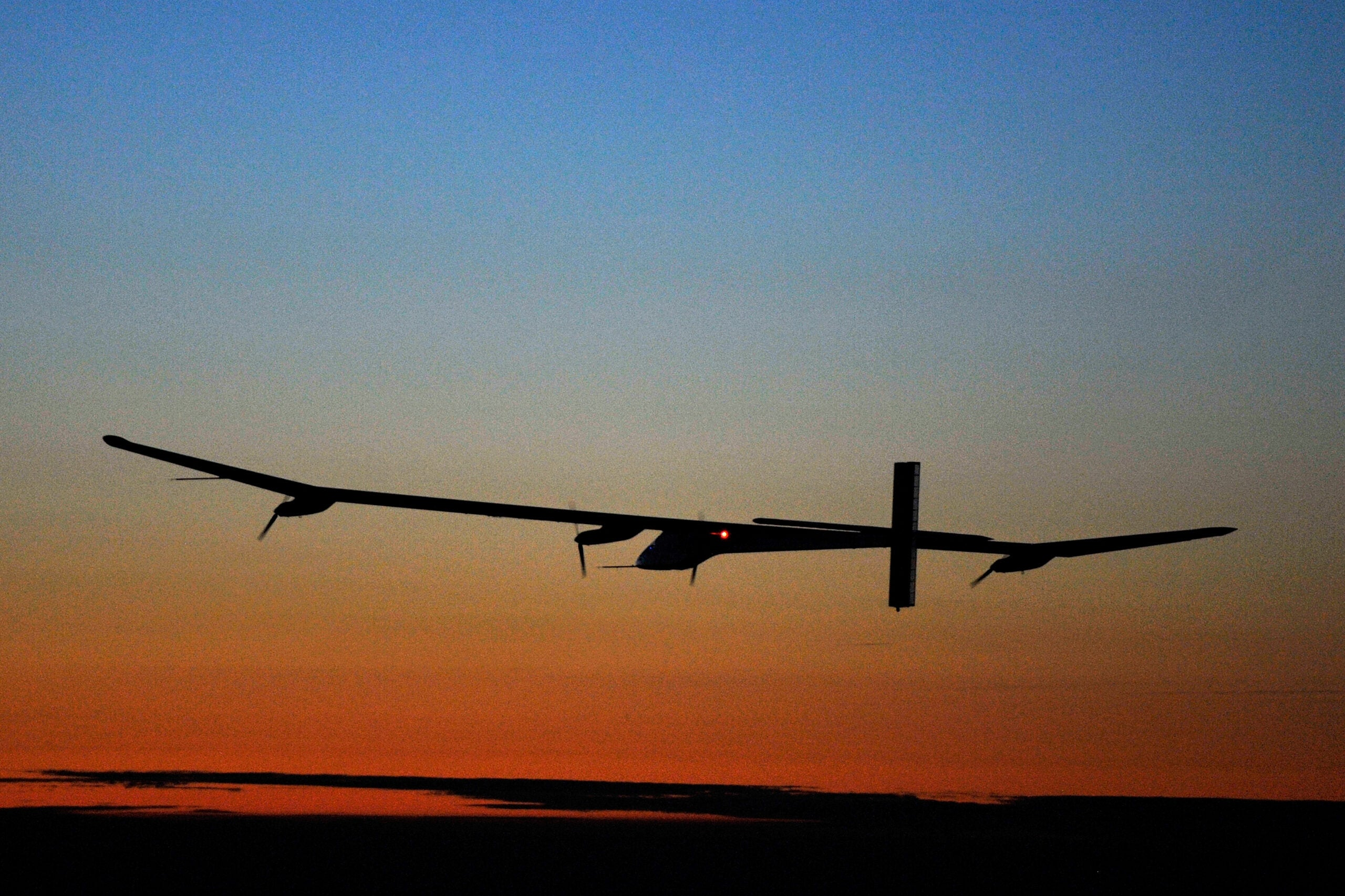 Swiss Solar-Powered Plane Successfully Completes Groundbreaking 26-Hour Night Flight