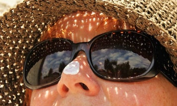 A common sunscreen could help make better solar panels