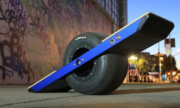 CES 2014: The First Self-Balancing Electric Skateboard