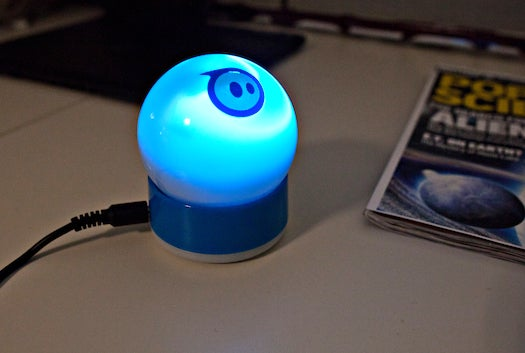 Video: Hands-On With the Sphero Robotic Ball (Slash Cat's Dream Toy)