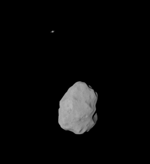 Rosetta Snaps Lovely Close-Up Images of Asteroid Lutetia